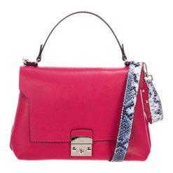 Torebki klasyczne damskie: Skórzana torebka w kolorze fuksji – (S)27 x (W)26 x (G)17 cm