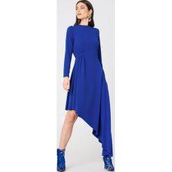 NA-KD Party Jerseyowa sukienka z długim rękawem - Blue. Niebieskie długie sukienki NA-KD Party, na imprezę, z asymetrycznym kołnierzem, z długim rękawem, asymetryczne. Za 202,95 zł.
