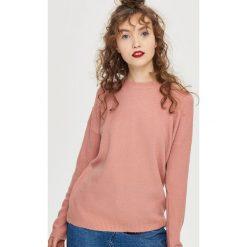 Swetry klasyczne damskie: Sweter z wiązaniem – Różowy
