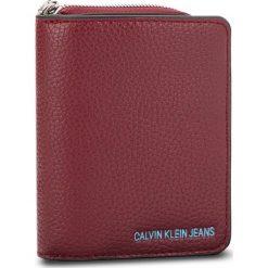 Mały Portfel Damski CALVIN KLEIN JEANS - Ultra Light French W K40K400699 238. Czerwone portfele damskie marki Calvin Klein Jeans, z jeansu. Za 279,00 zł.