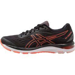 ASICS GELCUMULUS 20 Obuwie do biegania treningowe black/flash coral. Czarne buty do biegania damskie marki Asics. Za 589,00 zł.