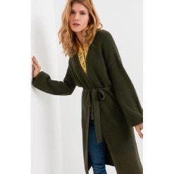 Swetry damskie: Długi kardigan z paskiem