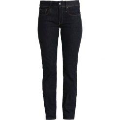 GStar 3301 DC STRAIGHT Jeansy Straight Leg visor stretch denim. Białe jeansy damskie marki G-Star, z nadrukiem. Za 379,00 zł.