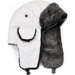 Czapka męska Uszanka Petersburg biało-szara. Białe czapki zimowe męskie marki Art of Polo. Za 36,52 zł.
