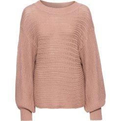 Swetry oversize damskie: Sweter oversize w ażurowy wzór bonprix dymny różowy