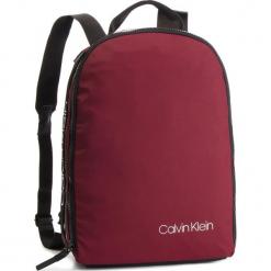 Plecak CALVIN KLEIN - Clash Round Backpack K50K504197 243. Czerwone plecaki męskie Calvin Klein, z materiału. Za 449,00 zł.