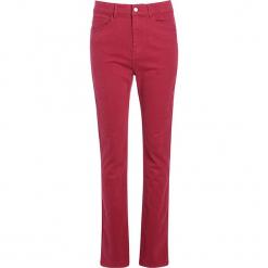 """Dżinsy """"Scottage"""" - Regular fit - w kolorze jagodowym. Czerwone spodnie z wysokim stanem Scottage, z aplikacjami, ze skóry. W wyprzedaży za 86,95 zł."""
