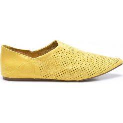 Answear - Baleriny Chc-Shoes. Żółte baleriny damskie lakierowane ANSWEAR, z materiału. W wyprzedaży za 59,90 zł.