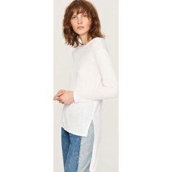Kardigany damskie: Sweter o asymetrycznej długości – Biały