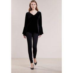 Polo Ralph Lauren Bluzka z długim rękawem polo black. Czarne bluzki longsleeves Polo Ralph Lauren, l, z elastanu, polo. W wyprzedaży za 359,50 zł.