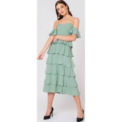 NA-KD Boho Sukienka z odkrytymi ramionami - Green. Niebieskie sukienki boho marki NA-KD Boho, na imprezę, w koronkowe wzory, z koronki, na ramiączkach, mini. W wyprzedaży za 121,77 zł.