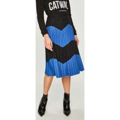 Answear - Spódnica. Szare spódniczki plisowane damskie marki ANSWEAR, m, z materiału, z podwyższonym stanem, midi. W wyprzedaży za 139,90 zł.