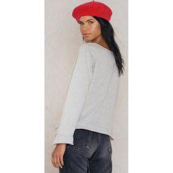 Rut&Circle Sweter z falbaną Andrea - Grey. Szare swetry klasyczne damskie Rut&Circle, z bawełny, z falbankami. W wyprzedaży za 48,78 zł.