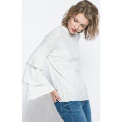 Only - Sweter Flower. Szare swetry klasyczne damskie ONLY, l, z dzianiny, z okrągłym kołnierzem. W wyprzedaży za 59,90 zł.