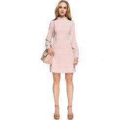 Pudrowa Wizytowa Sukienka z Tiulowymi Wstawkami. Różowe sukienki koktajlowe marki numoco, l, z dekoltem w łódkę, oversize. Za 138,90 zł.