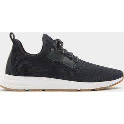 Buty męskie: Granatowe buty sportowe z elastycznego materiału z siateczką