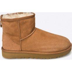 UGG - Buty Classic Her/Mini II. Szare buty zimowe damskie marki Ugg, z materiału, z okrągłym noskiem. Za 759,90 zł.