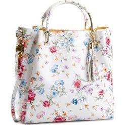 Torebka CREOLE - K10515 Kwiaty Biały. Białe torebki klasyczne damskie Creole, w kwiaty, ze skóry. W wyprzedaży za 219,00 zł.