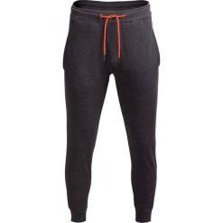 Spodnie dresowe męskie SPMD601 - CIEMNY SZARY MELANŻ - Outhorn. Szare spodnie dresowe męskie Outhorn, na jesień, melanż, z bawełny. W wyprzedaży za 55,99 zł.