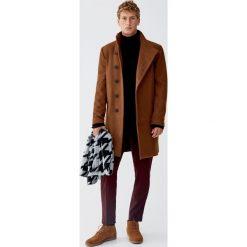 Płaszcz z flauszu w kolorze karmelowym z zapięciem z boku. Brązowe płaszcze na zamek męskie marki Cropp, na zimę, l, sportowe. Za 299,00 zł.