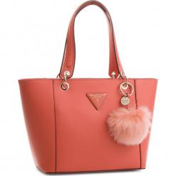 Torebka GUESS - Kamryn HWTR66 91230  COR. Brązowe torebki klasyczne damskie Guess, z aplikacjami, ze skóry ekologicznej, duże. Za 629,00 zł.