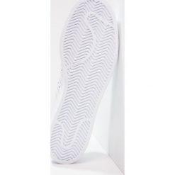 Adidas Originals SUPERSTAR DECON Tenisówki i Trampki white/chalk white. Szare tenisówki damskie marki adidas Originals, z gumy. W wyprzedaży za 359,20 zł.
