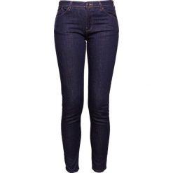 Emporio Armani Jeansy Slim Fit blue. Niebieskie jeansy damskie marki Emporio Armani, z bawełny. W wyprzedaży za 426,30 zł.