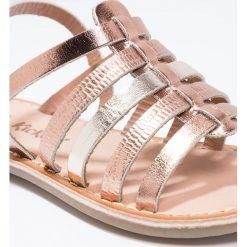 Kickers DIXMILLION  Sandały bronze. Niebieskie sandały chłopięce marki Kickers, z kauczuku, na sznurówki. W wyprzedaży za 167,30 zł.