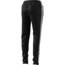 SPODNIE ADIDAS ORIGINALS SST CE2400. Szare spodnie sportowe damskie marki Adidas, l, z dresówki, na jogę i pilates. Za 229,00 zł.
