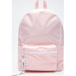 Plecak - Różowy. Czerwone plecaki damskie marki Cropp. W wyprzedaży za 39,99 zł.