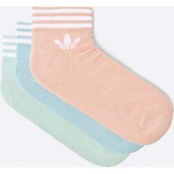 Adidas Originals - Skarpetki (3-pack). Brązowe skarpetki damskie marki adidas Originals, z bawełny. W wyprzedaży za 49,90 zł.