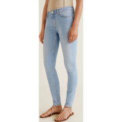 Mango - Jeansy Olivia. Niebieskie jeansy damskie rurki Mango, z aplikacjami, z bawełny. Za 129,90 zł.