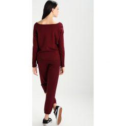 Spodnie sportowe damskie: Sundry SWEATPANTS  Spodnie treningowe burgundy