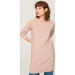 Długi sweter - Różowy. Czerwone swetry klasyczne damskie marki Reserved, l. Za 119,99 zł.