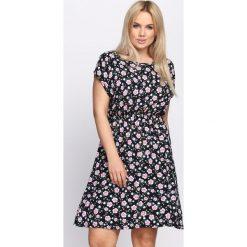Sukienki: Granatowa Sukienka Expansion