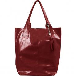 """Skórzany shopper bag """"Marita"""" w kolorze bordowym - 26 x 35 x 16 cm. Czerwone shopper bag damskie Spécial maroquinerie, z materiału, z breloczkiem. W wyprzedaży za 218,95 zł."""