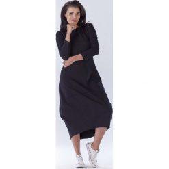 Czarna Długa Sportowa Sukienka Bombka. Czarne długie sukienki marki Molly.pl, l, z dresówki, sportowe, z okrągłym kołnierzem, z długim rękawem, bombki. Za 129,90 zł.
