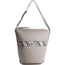 Torebka CALVIN KLEIN - Heath3r Exotic Elongated Bucket Bag K60K602697  069. Brązowe torebki klasyczne damskie Calvin Klein, ze skóry ekologicznej. W wyprzedaży za 419,00 zł.