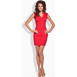 KLAUDIA Taliowana sukienka ze złotym guziczkiem czerwona. Czerwone sukienki balowe Lemoniade. Za 69,00 zł.