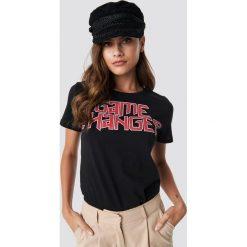 T-shirty damskie: NA-KD Urban T-shirt Game Changer - Black