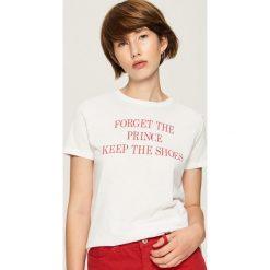 T-shirt z hasłem - Biały. Białe t-shirty damskie Sinsay, l. Za 19,99 zł.