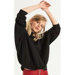 Bluza z półgolfem - Czarny. Czarne bluzy damskie marki Sinsay. W wyprzedaży za 29,99 zł.