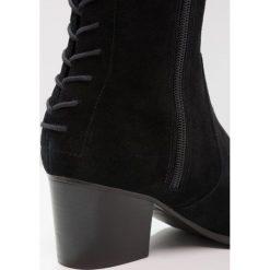 ALDO BRESA Muszkieterki black. Czarne buty zimowe damskie ALDO, z materiału. W wyprzedaży za 356,95 zł.