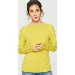 Swetry klasyczne damskie: Sweter z wiązaniem na rękawach - Zielony