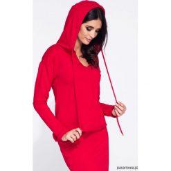 Czerwona bluza damska z kapturem taliowana. Niebieskie bluzy z kapturem damskie marki Pakamera, z bawełny. Za 119,00 zł.
