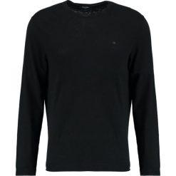 Calvin Klein SAUL CREW NECK Sweter black. Pomarańczowe kardigany męskie marki Calvin Klein, l, z bawełny, z okrągłym kołnierzem. Za 449,00 zł.