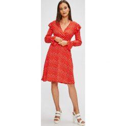 Trendyol - Sukienka. Różowe długie sukienki marki numoco, l, z dekoltem w łódkę, oversize. W wyprzedaży za 119,90 zł.