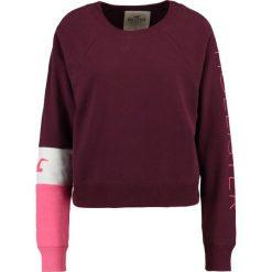 Bluzy damskie: Hollister Co. SPORTY CROPPED CREW Bluza burgundy