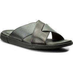 Chodaki męskie: Klapki CLARKS - Vine Ash 261318447 Black Leather