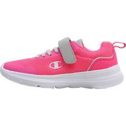 Champion LOW CUT SHOE CARRIE  Obuwie treningowe pink. Czerwone buty sportowe dziewczęce Champion, z materiału. Za 129,00 zł.